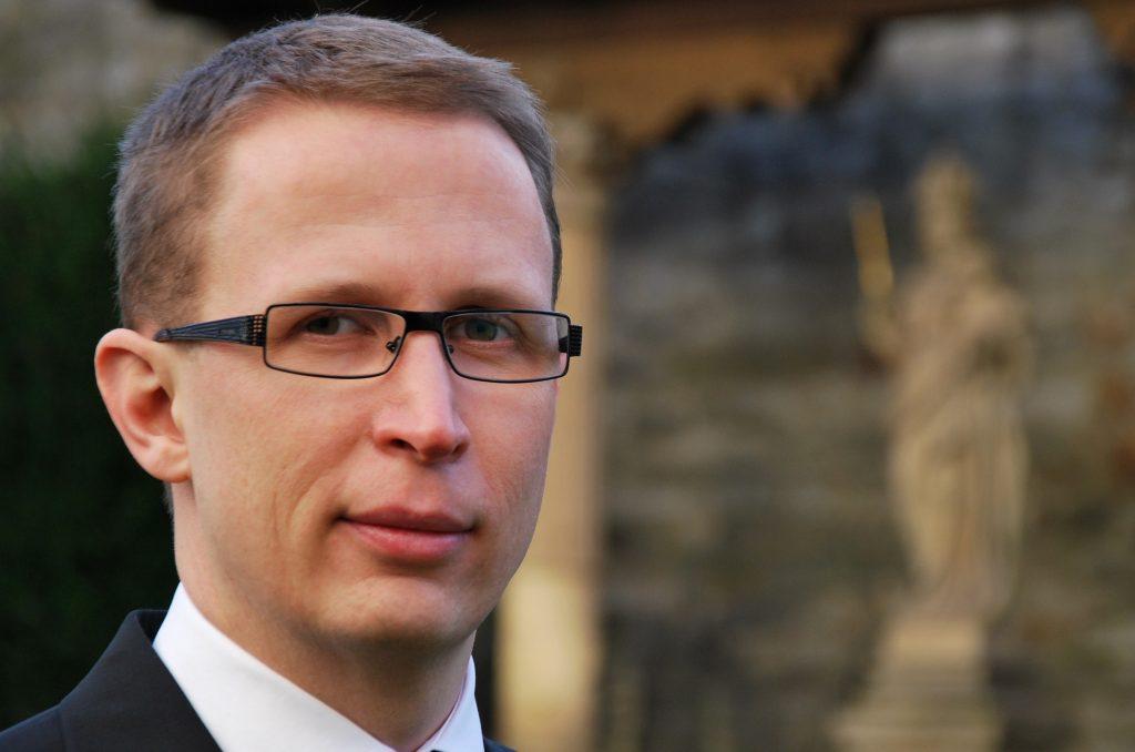 Professor Dr. Stefan Kopp, zuständiger Organisator und Leiter der Vorlesungsreihe Montagsakademie an der Theologischen Fakultät Paderborn.   Foto: ThF-PB