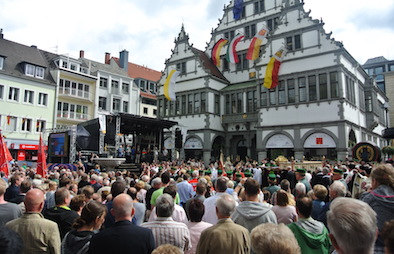 Libori2017_Prozession_auf_dem_Rathausplatz_01